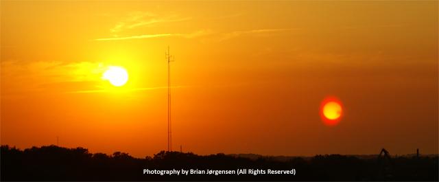 Resultado de imagen para two sun lens flare